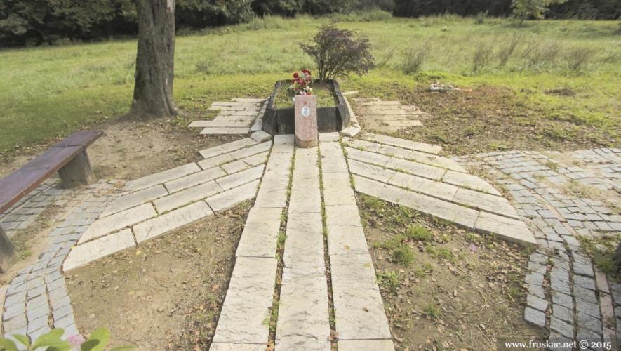 Monuments - Spomen-obeležje Lepinjica